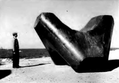 """The final version of the stabit tested at the port of Benghazi. Source: Singh, K. Y. """"'Stabit'–A New Armour Block."""" In Coastal Engineering 1968, pp. 797-814. 1969."""